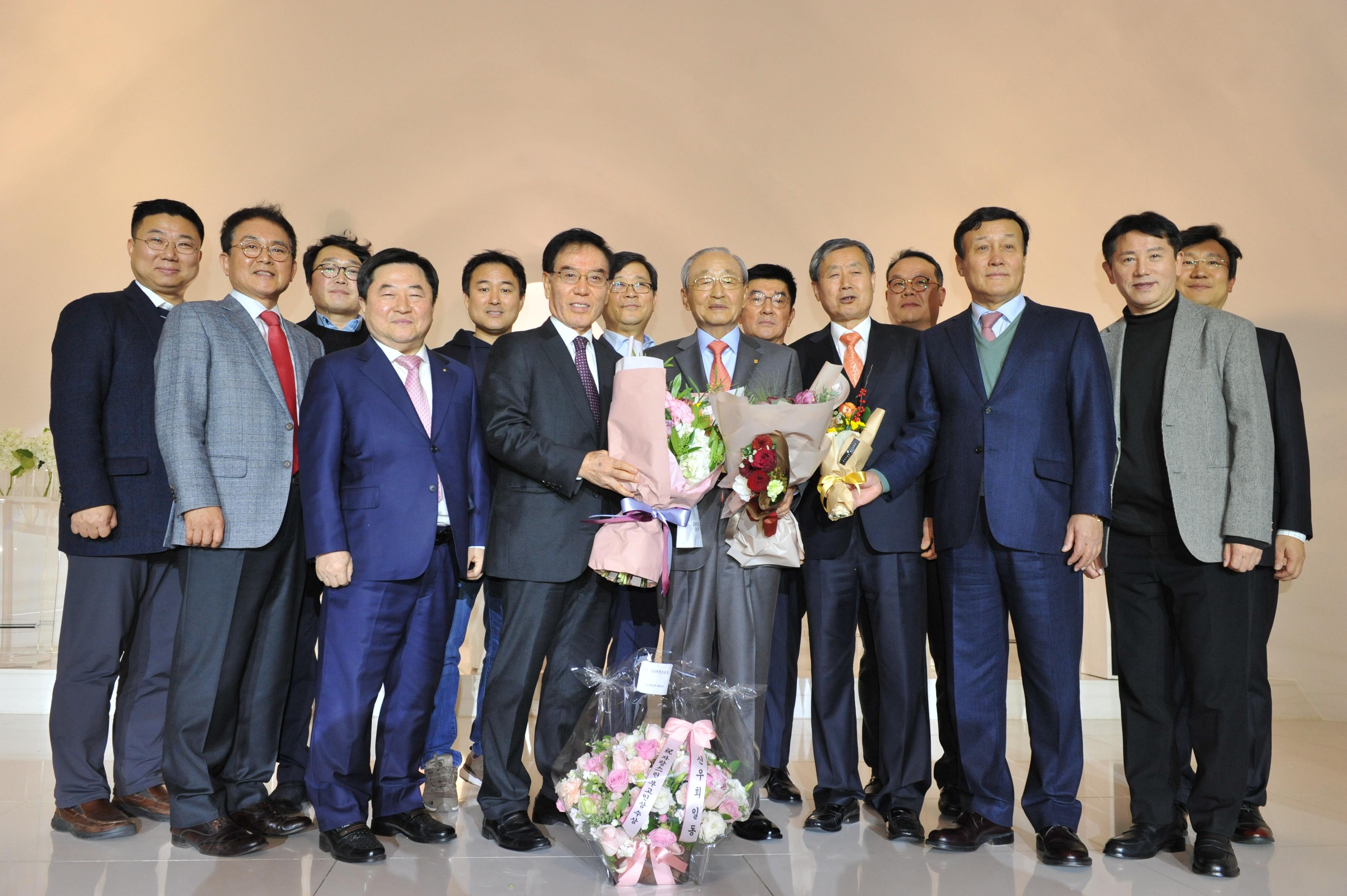 선농경영인회창립회장과 회원일동.JPG
